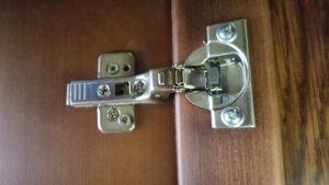 Петля для распашной двери с доводчиком Чебоксары